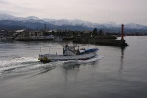 3・村木・定坊割・漁船と立山連峰-1.jpg